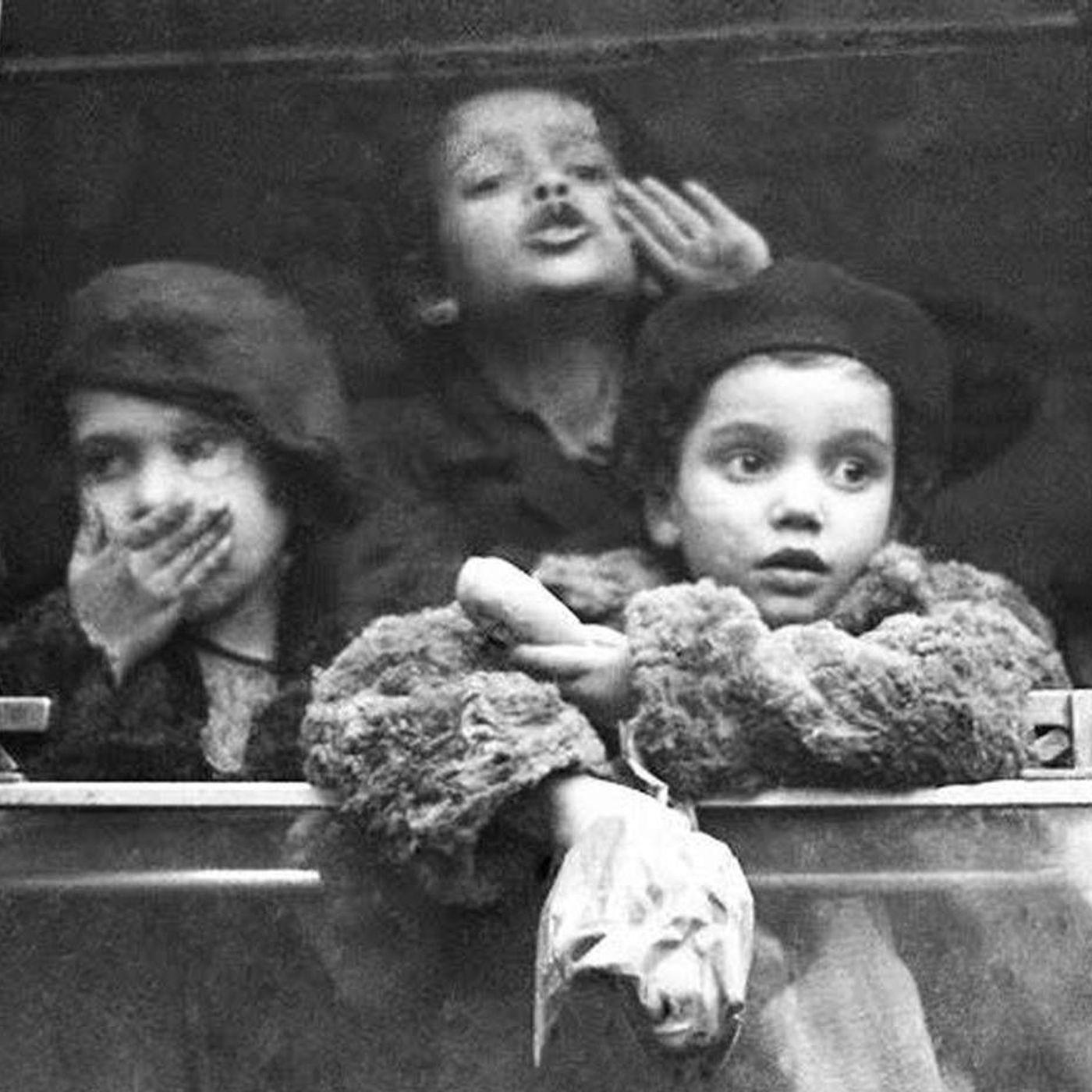 Gyermekvédelmi akció a világháborúk után - E21