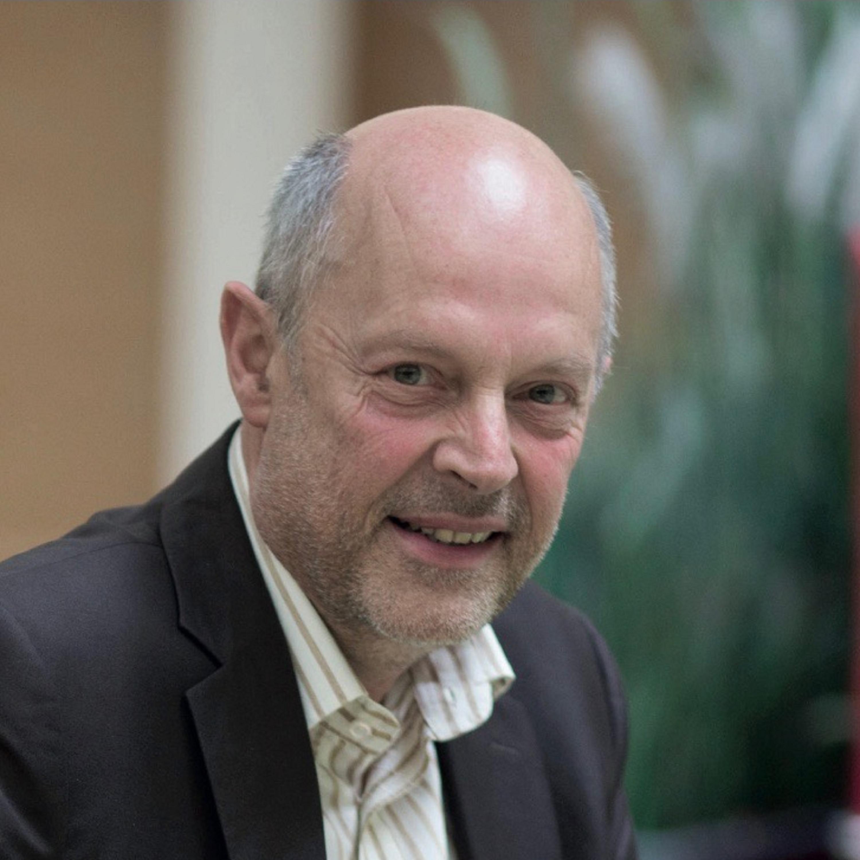 RECHTspreekt gaat in deze aflevering in gesprek met Paul Danneels, sinds 2017 de Chief Transformation Officer bij de Koninklijke Federatie van het Belgisch Notariaat (Fednot). Fednot...